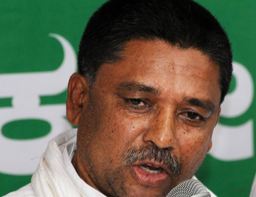 Centre trying to destabilise State govt: Congress