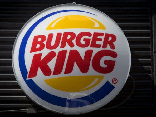 Woman gets cash bag instead of sandwich at Burger King