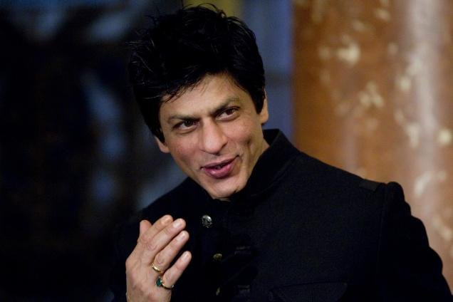 Shah Rukh's first video tweet for fans