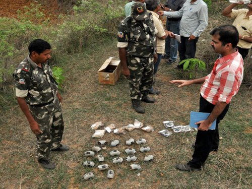 18 can bombs recovered in Jharkhand