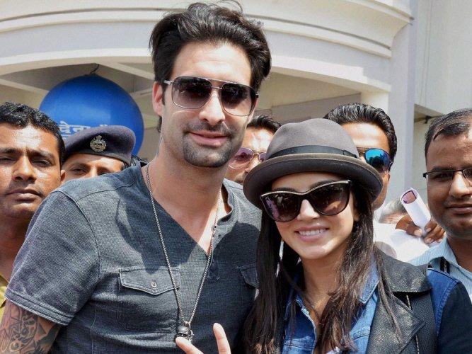Husband has cutest role in 'Ek Paheli Leela': Sunny Leone