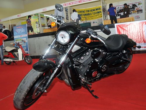 Harley-Davidson plays down sales war with Enfield