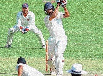 Mumbai begin uphill task