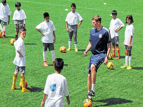 Young players get to know City way