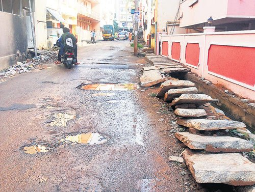 Govt's 30 km roads a day target gets Budget push
