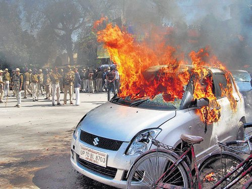 Violence in Allahabad after cop kills lawyer