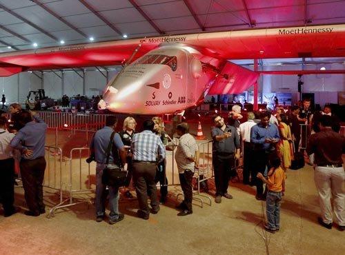 Guj people throng to see solar plane, take selfies with SI-2