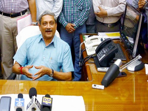 Parrikar says human error, not vintage, causing copter crash