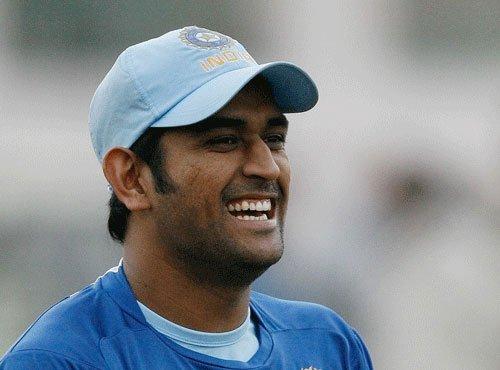 Dhoni's 'keeping' drills: Catch 10 balls on match days