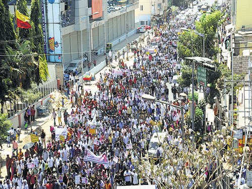 'Order CBIprobe,' becomes protesters' rallying cry
