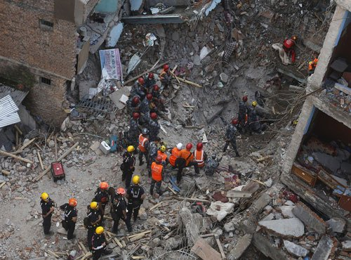 Nepal quake toll rises to 6,166