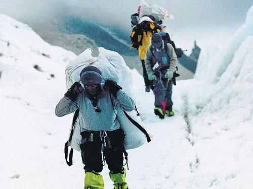 Soul-searching ends Everest climbing season