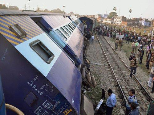 Ten bogies of Ernakulam-Duronto Express derail in Goa