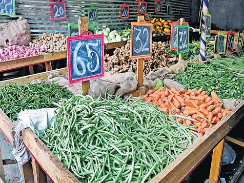 Unseasonal rains push  up vegetable prices