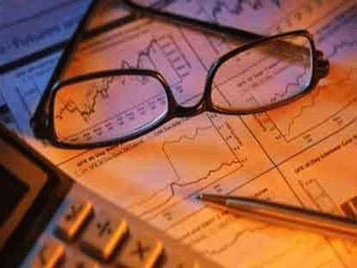MF inflows in equities hit 7-year high of Rs 7,600-cr in Apr