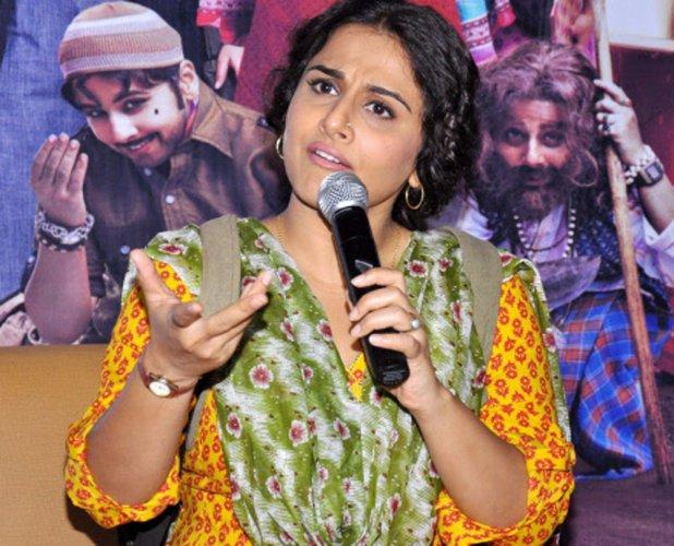 Vidya Balan gets slapped by co-star!