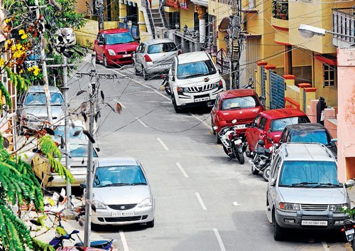 Traffic restrictions, parking for IPL match