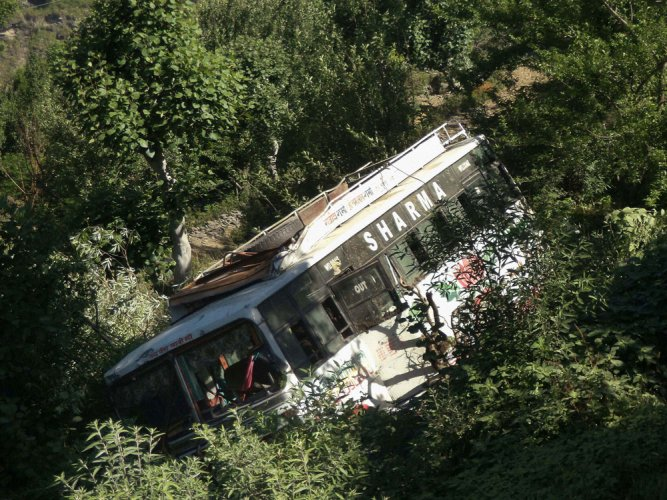 15 dead, 20 injured as bus falls into gorge in Udhampur