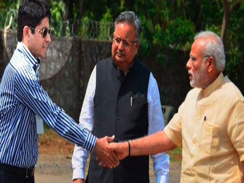Officer gets 'warning' for wearing sunglasses while meeting PM