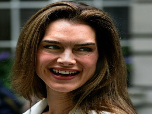 Brooke Shields' alleged stalker wanted by police