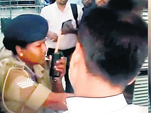 Woman cop 'has her way' with Union minister