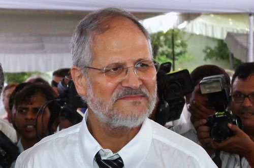 Jung, Kejriwal responsible for Delhi 'mess': Cong