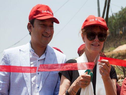 Susan Sarandon inaugurates homes for Nepal quake survivors