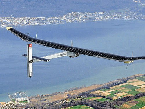 Round-the-world solar plane readies for Pacific crossing