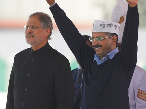 After stand-off, Kejriwal meets Jung