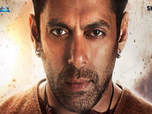 SRK, Aamir promote 'Bajrangi Bhaijaan', Salman 'touched'