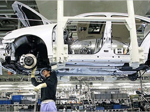 Manufacturing growth at 4-month high on domestic push
