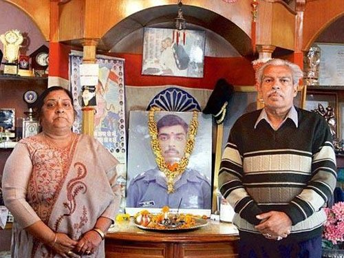No difference between NDA and UPA governments: Kargil martyr's father