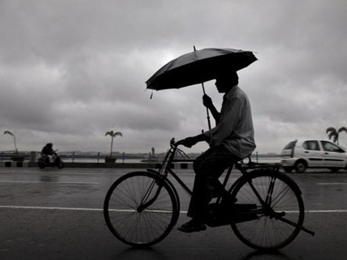 Light rain brings relief to parts of India