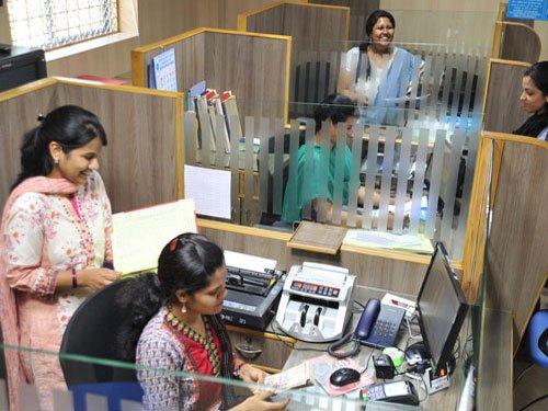 Karnataka govt circular asks women employees not to loiter around