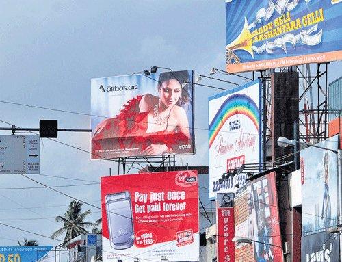 Resolution on removing hoardings sent to govt, Palike tells High Court