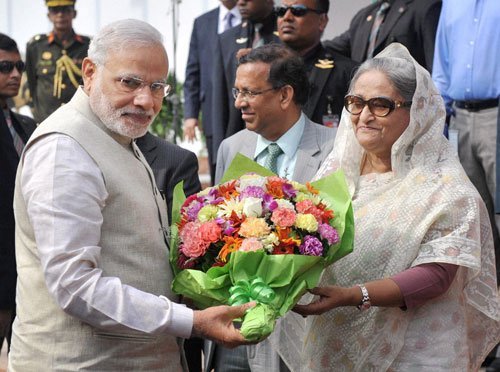 India,Bangla settle boundary issue; Modi announces 2 bn credit
