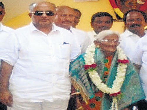 102-yr-old GP member joins Cong, eyes prez post