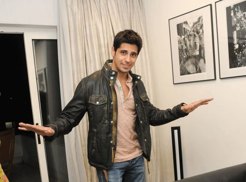 Sidharth Malhotra anxious over 'Brothers' trailer
