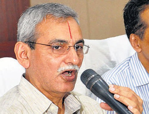 Have full respect for both Bhushan, Jethmalani: Chowdary