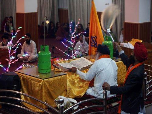 Afghanistan's Sikhs feel alienated, pressured to leave