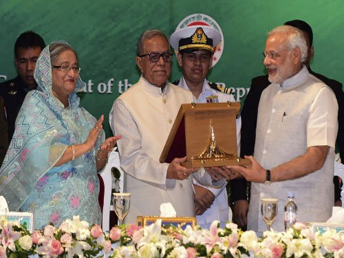PM hands over Bangladesh Liberation War Honour to Vajpayee