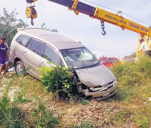 3 killed as car rolls over