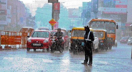 Intermittent rains continue to lash Dakshina Kannada, Uttara Kannada