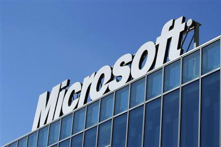 Former Nokia chief Elop out in Microsoft shakeup