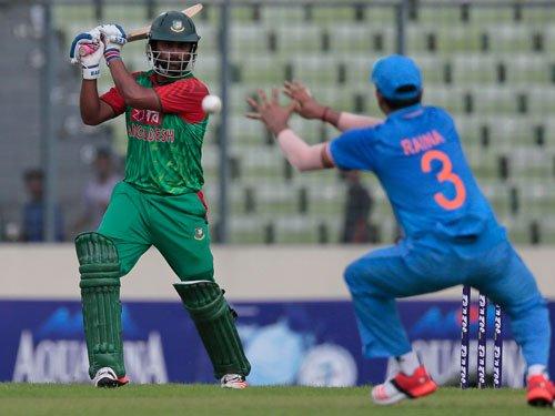 Bangladesh resume play after rain halts first ODI
