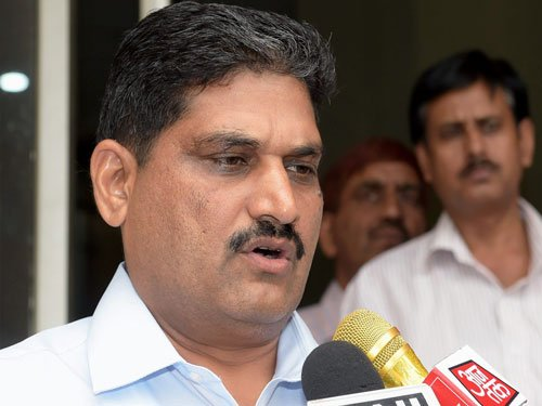 Retd cop files corruption complaint against Delhi ACB chief