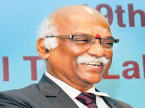 RBI deputy guv asks     co-ops to adopt tech