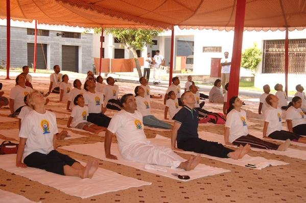 Yoga Day in Pak confined to Indian High Commission premises
