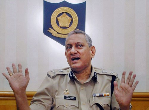 M'rashtra seeks details from top cop over meeting Modi