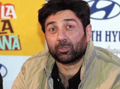 Mohalla Assi: Police complaint against Sunny Deol for abuses